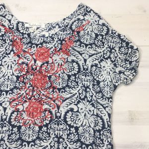 Solitaire damask embroidered tee sz S